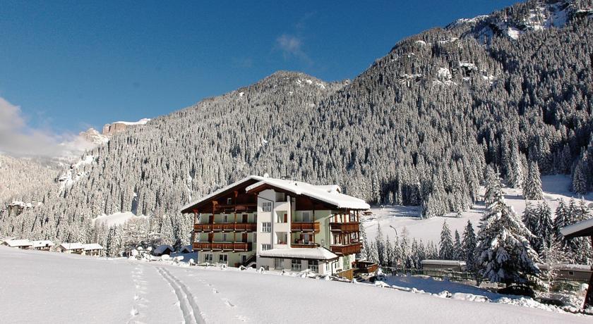 Hotel-Sassleng-Alba-di-Canazei